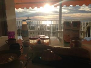 Apartment breakfast
