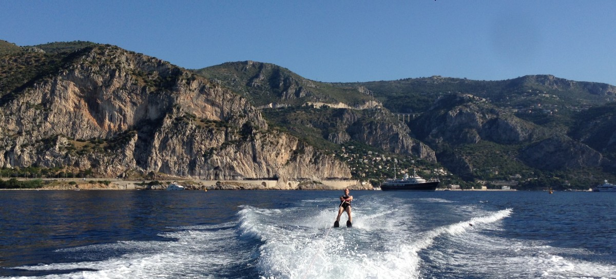Waterskiing in Beaulieu